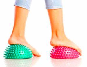 Лечение плоскостопия массажными мячиками