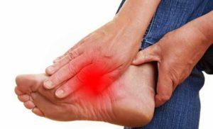 Сильные боли в стопе
