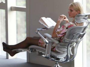 Кресло для ПК серого цвета