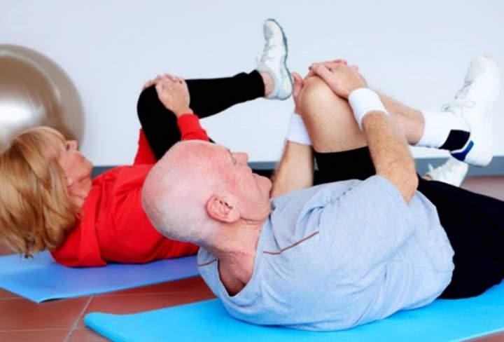 Гимнастика коленных суставов при артрозе: лечебные упражнения для коленей